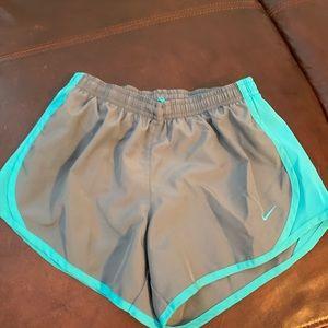 Nike shorts m